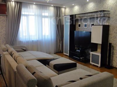 2-комнатная квартира, 100 м², 9/16 этаж помесячно, Абая 150/230 — Тургута Озала (Баумана) за 260 000 〒 в Алматы