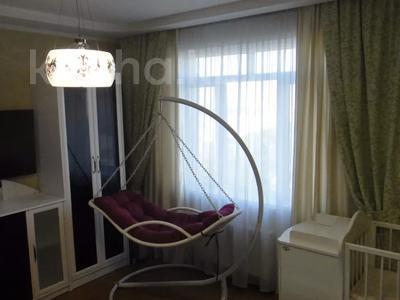 2-комнатная квартира, 100 м², 9/16 этаж помесячно, Абая 150/230 — Тургута Озала (Баумана) за 260 000 〒 в Алматы — фото 2