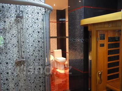 2-комнатная квартира, 100 м², 9/16 этаж помесячно, Абая 150/230 — Тургута Озала (Баумана) за 260 000 〒 в Алматы — фото 42