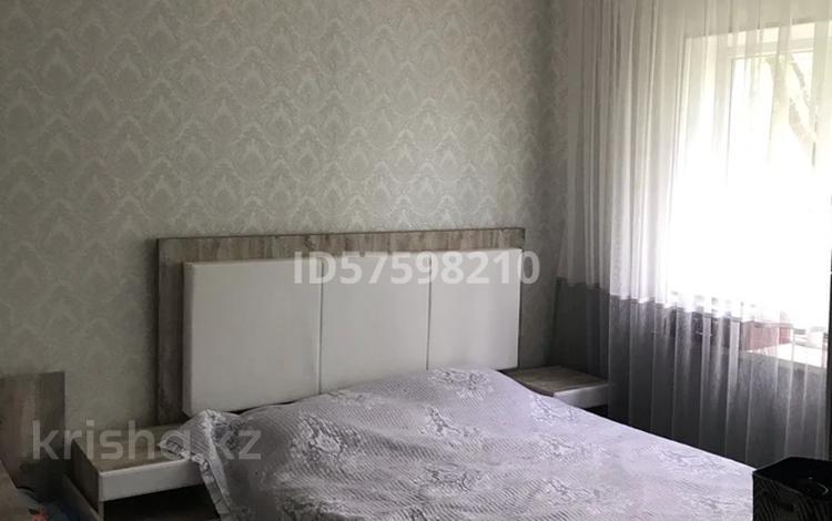 3-комнатная квартира, 61 м², 3/5 этаж, 3 мкр 12 за 20 млн 〒 в Таразе