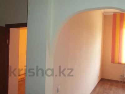 2-комнатная квартира, 56.2 м², 1/12 этаж, мкр Жетысу-3 50 — Абая за 18 млн 〒 в Алматы, Ауэзовский р-н