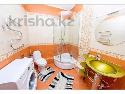 3-комнатная квартира, 145 м², 26/40 этаж посуточно, Достык 5/1 — Сауран за 18 000 〒 в Нур-Султане (Астана), Есиль р-н