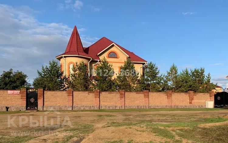 5-комнатный дом, 408 м², 10 сот., Богенбай батыра 7 за 130 млн 〒 в Бурабае