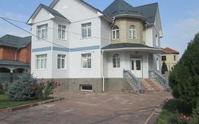 10-комнатный дом помесячно, 410 м², 10 сот., мкр Калкаман-2, Мкр Калкаман-2 29 — Шаляпина - Абилова за 900 000 〒 в Алматы, Наурызбайский р-н