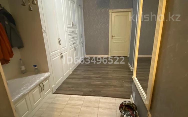 4-комнатная квартира, 125 м², 3/14 этаж, мкр 11 144А/1 за 34.5 млн 〒 в Актобе, мкр 11