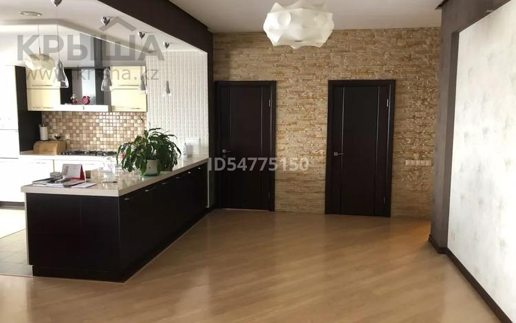 4-комнатная квартира, 170 м², 3/5 этаж, Актобе 25б за ~ 150 млн 〒 в Алматы, Бостандыкский р-н