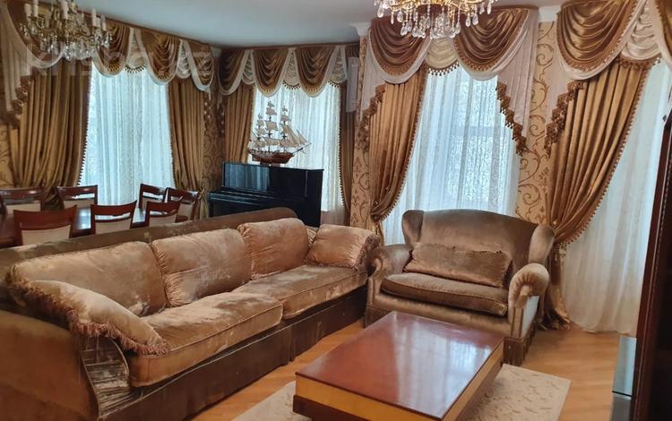 4-комнатная квартира, 240 м², 6/7 этаж, Пр Кабанбай Батыра за 90.5 млн 〒 в Нур-Султане (Астана), Есиль р-н