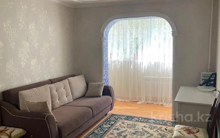 3-комнатная квартира, 70 м², 1/5 этаж, мкр Аксай-4, Мкр Аксай-4 за 26 млн 〒 в Алматы, Ауэзовский р-н