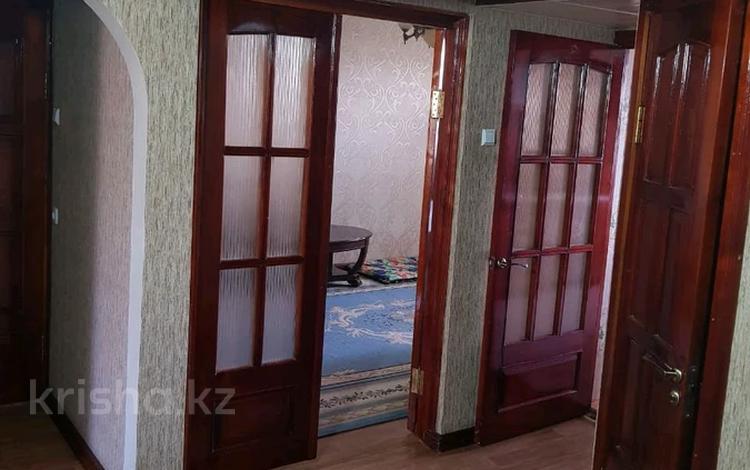 4-комнатная квартира, 76.5 м², 5/5 этаж, Микрорайон Сайрам 12 — Ул.Еримбетова за 18.5 млн 〒 в Шымкенте, Аль-Фарабийский р-н