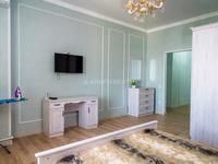 1-комнатная квартира, 65 м², 14/14 этаж посуточно