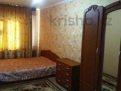 3-комнатная квартира, 70 м², 4/5 этаж посуточно, 4 мкр 33 — Конаева за 10 000 〒 в Талдыкоргане