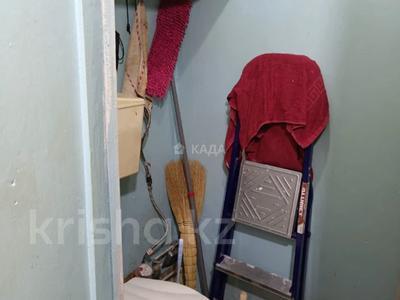 3-комнатная квартира, 56 м², 2/5 этаж, Вострецова 6 за 13.8 млн 〒 в Усть-Каменогорске