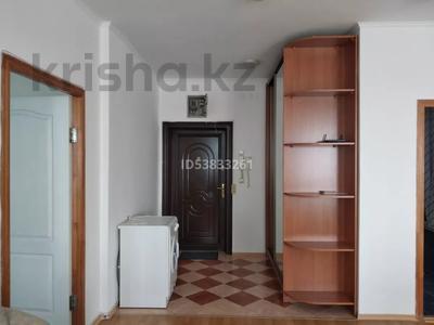 2-комнатная квартира, 71.7 м², 9/9 этаж, Сатпаева 29 за 21.5 млн 〒 в Атырау — фото 3