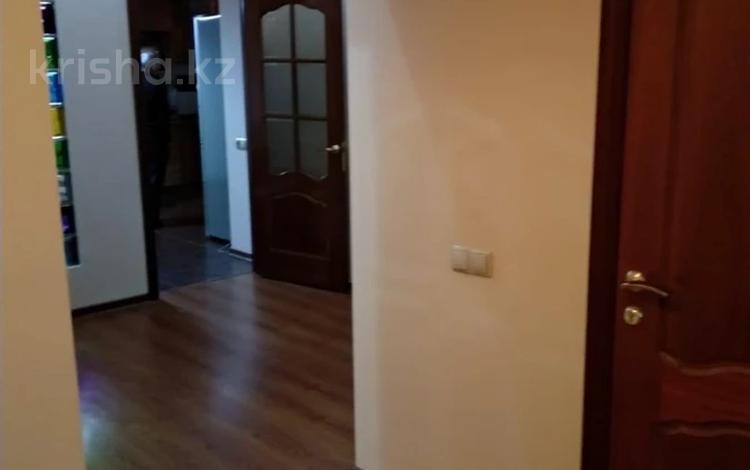 3-комнатная квартира, 118 м², 2/5 этаж, Медеуский р-н, мкр Думан-2 за 36 млн 〒 в Алматы, Медеуский р-н