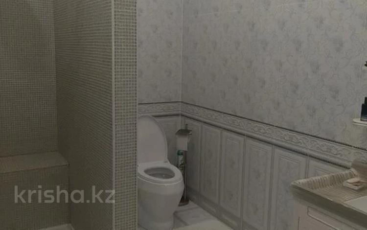 5-комнатная квартира, 280 м², 3/3 этаж, Ашимова за 110 млн 〒 в Алматы, Наурызбайский р-н