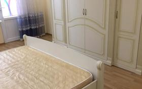 2-комнатная квартира, 68 м², 7/9 этаж помесячно, Кулманова Гранд Атырау 1 за 200 000 〒