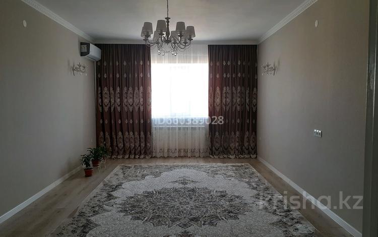 4-комнатная квартира, 119.2 м², 5/5 этаж, Мангилик Ел 11 — Татетулы за 35 млн 〒 в Актобе, мкр. Батыс-2