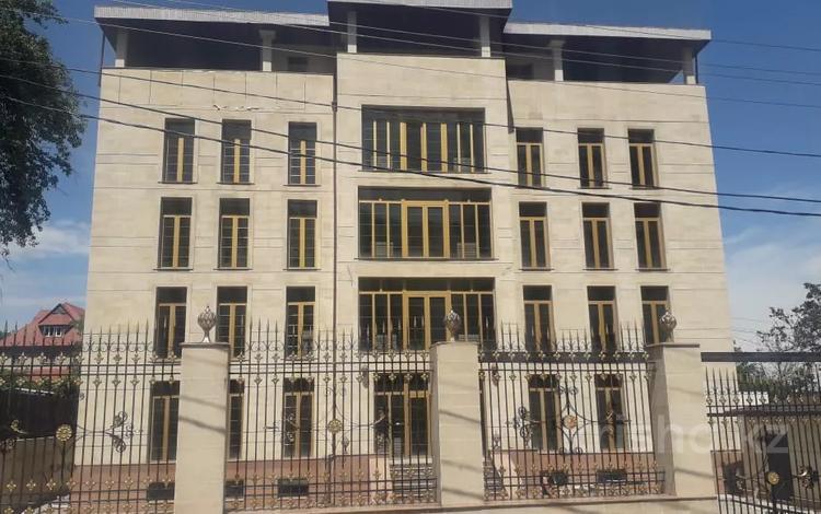 Здание, площадью 1500 м², Радлова — Аль-Фараби за 860 млн 〒 в Алматы, Медеуский р-н