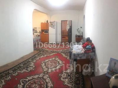 10-комнатный дом, 250 м², 6 сот., Аманжолова 1 — Абая за 21.5 млн 〒 в
