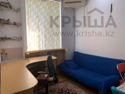 2-комнатная квартира, 75 м², 2/3 этаж, проспект Тауке хана — Гоголя за 15 млн 〒 в Шымкенте — фото 3