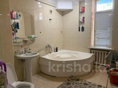 2-комнатная квартира, 75 м², 2/3 этаж, проспект Тауке хана — Гоголя за 15 млн 〒 в Шымкенте — фото 5