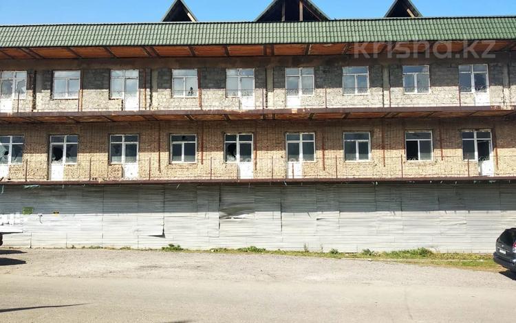 Здание, площадью 2200 м², Село Бескайнар за 400 млн 〒 в