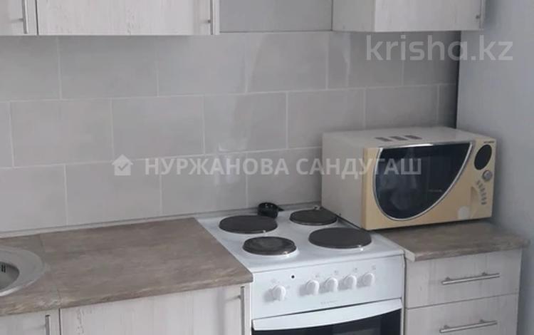 1-комнатная квартира, 39 м², 3/12 этаж, мкр Юго-Восток, Шапагат за 11.7 млн 〒 в Караганде, Казыбек би р-н