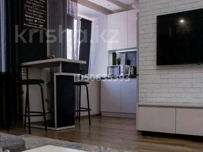 1-комнатная квартира, 33 м², 3/9 этаж посуточно, Ак.Сатпаева 11 за 10 000 〒 в Павлодаре