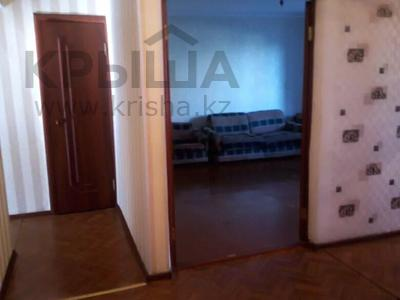 3-комнатная квартира, 65 м², 1/5 этаж, 7 мкр 25 — Волынова-генарала Арыстанбекова за 12.5 млн 〒 в Костанае — фото 2