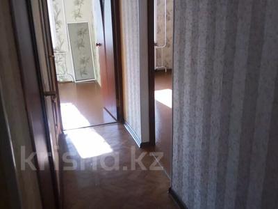 3-комнатная квартира, 65 м², 1/5 этаж, 7 мкр 25 — Волынова-генарала Арыстанбекова за 12.5 млн 〒 в Костанае — фото 3