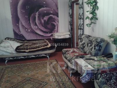 1-комнатная квартира, 36 м², 3/5 этаж помесячно, Гарышкерлер 54 за 75 000 〒 в Жезказгане — фото 2