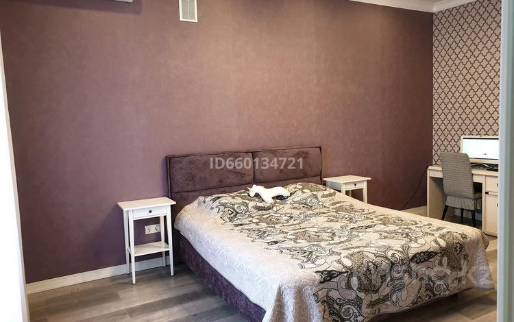 8-комнатный дом, 360 м², 15-й мкр 13/2 за 130 млн 〒 в Актау, 15-й мкр
