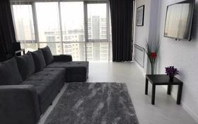 1-комнатная квартира, 54 м², 18/32 этаж посуточно, Сыганак 10 за 6 000 〒 в Нур-Султане (Астана), Есиль р-н