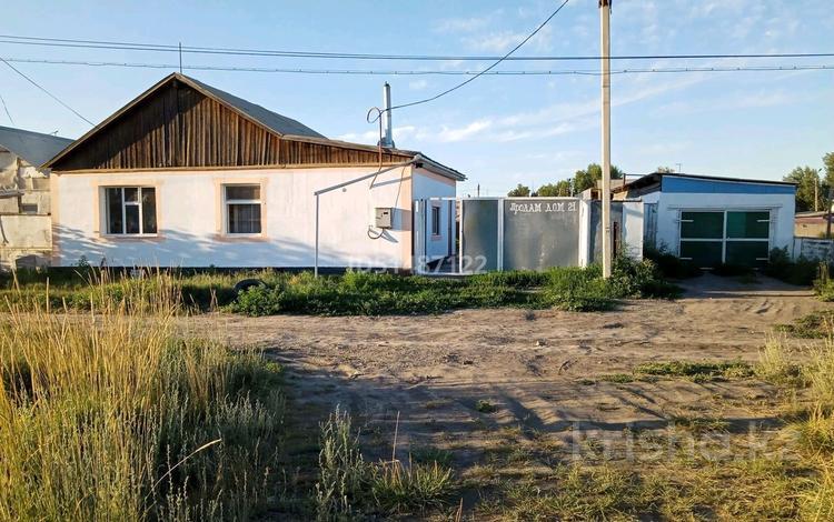 3-комнатный дом, 70 м², 10 сот., Жибек жолы 21 за 8 млн 〒 в Семее