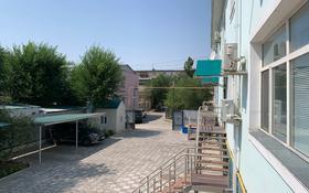 4-комнатный дом, 330 м², Привокзальный-1, Махамбета 116в за 65 млн 〒 в Атырау, Привокзальный-1