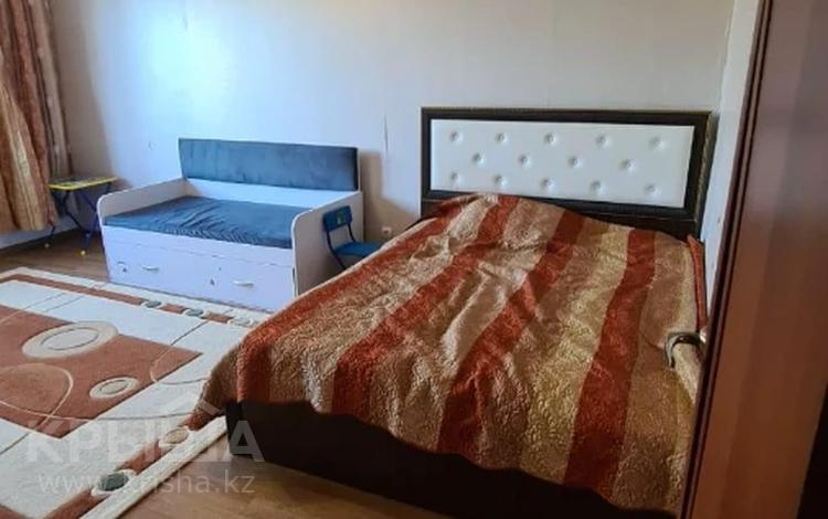 1-комнатная квартира, 40 м², 4/9 этаж, мкр Аксай-3, Мкр Аксай-3 26а за 14.5 млн 〒 в Алматы, Ауэзовский р-н