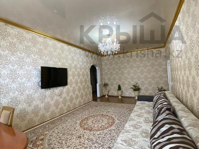 3-комнатная квартира, 90 м², 16/17 этаж, Шахтеров 60 за 25 млн 〒 в Караганде, Казыбек би р-н — фото 2
