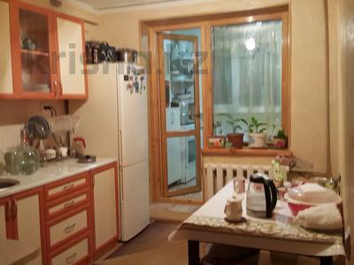 3-комнатная квартира, 70 м², 1/3 этаж, 18мкр 10 за 13 млн 〒 в Капчагае