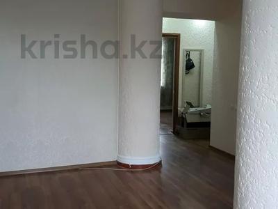 3-комнатная квартира, 67.8 м², 4/5 этаж, Аскарова 9 за 18.2 млн 〒 в Шымкенте, Аль-Фарабийский р-н — фото 5