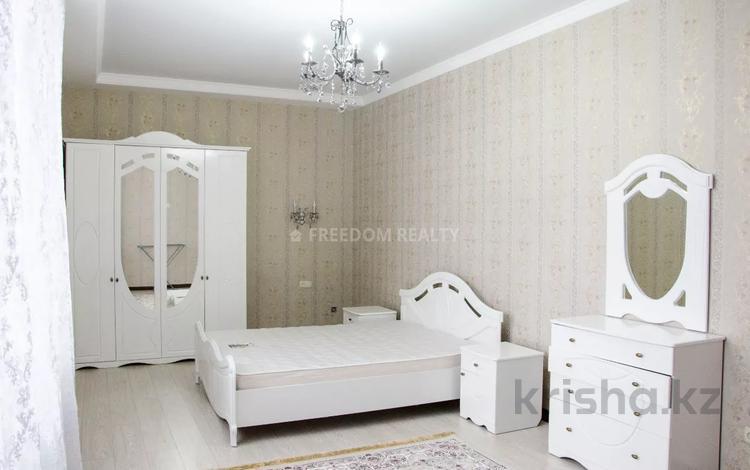 3-комнатная квартира, 130 м², 10/20 этаж помесячно, Аль-Фараби 21 — Желтоксан за 360 000 〒 в Алматы, Бостандыкский р-н