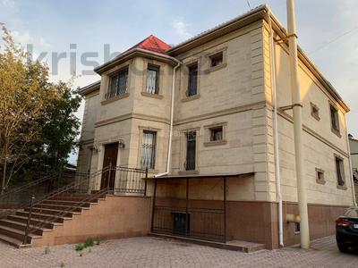 5-комнатный дом помесячно, 400 м², Шайкенова 14 — Джандосова за 700 000 〒 в Алматы, Ауэзовский р-н — фото 22