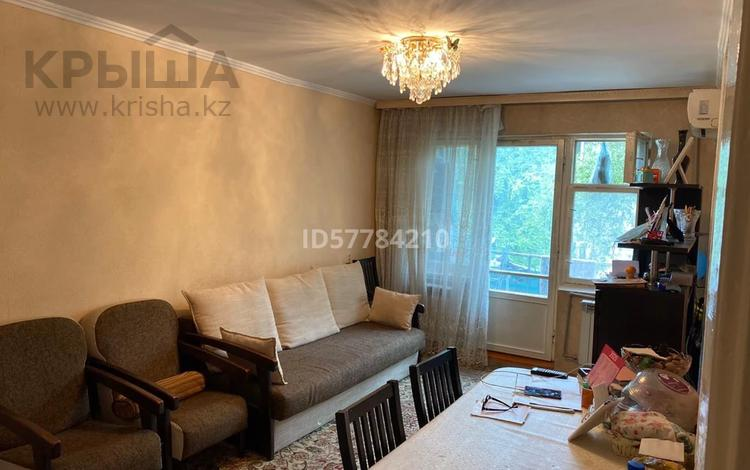 3-комнатная квартира, 57 м², 3/5 этаж, 11-й микрорайон, Уалиханова 192Б за 17 млн 〒 в Шымкенте, Енбекшинский р-н