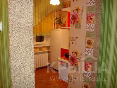 1-комнатная квартира, 35 м², 3/5 этаж посуточно, Тарбагатайская 46 — проспект Ауэзова за 5 000 〒 в Семее