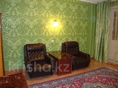 1-комнатная квартира, 35 м², 3/5 этаж посуточно, Тарбагатайская 46 — проспект Ауэзова за 5 000 〒 в Семее — фото 3