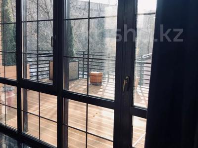8-комнатный дом, 500 м², 10 сот., Ходжанова — Жарокова за 490 млн 〒 в Алматы, Бостандыкский р-н — фото 13