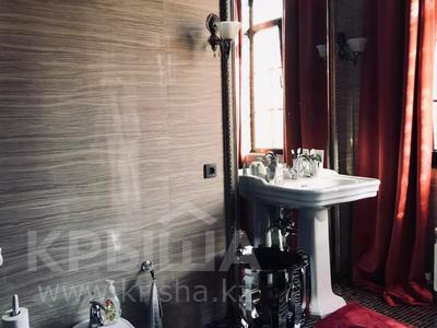 8-комнатный дом, 500 м², 10 сот., Ходжанова — Жарокова за 490 млн 〒 в Алматы, Бостандыкский р-н — фото 15