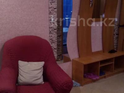 1-комнатная квартира, 32 м², 4/5 этаж по часам, Кабанбай батыра 109 за 2 000 〒 в Усть-Каменогорске — фото 6