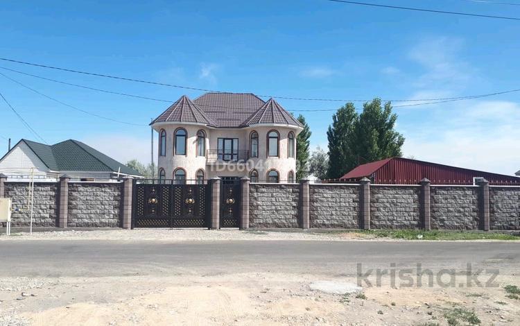 4-комнатный дом, 210 м², 10 сот., Бериктас 63 за 70 млн 〒 в Талдыкоргане