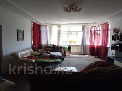 3-комнатный дом на длительный срок, 320 м², 9 сот., Нуржаума — Нуржаума за 250 000 〒 в Талдыбулаке