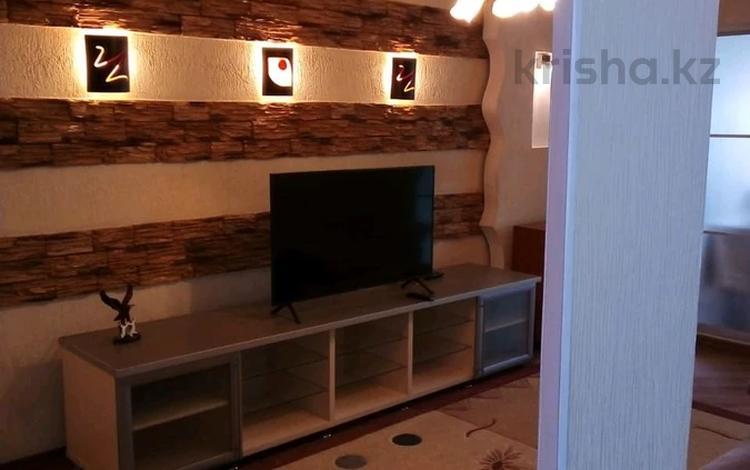 3-комнатная квартира, 70 м², 3/4 этаж, проспект Тауке хана — Момышулы за 25 млн 〒 в Шымкенте
